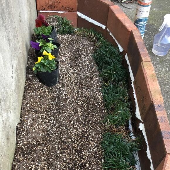 発泡ウレタン 花壇 レンガ